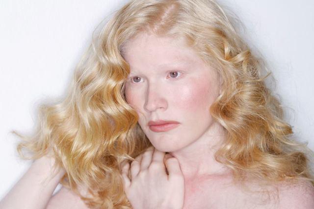 Model: Karla Mar Fernandez from Element Models. Photography by Ricardo Medina.
